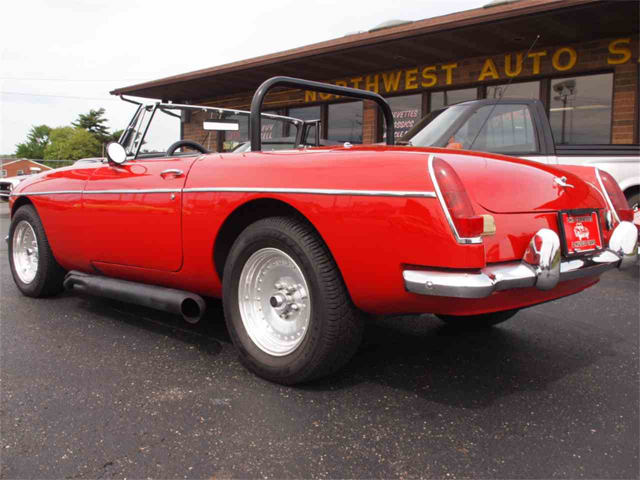 Large Picture of Classic 1968 MGB - $28,500.00 - L59M
