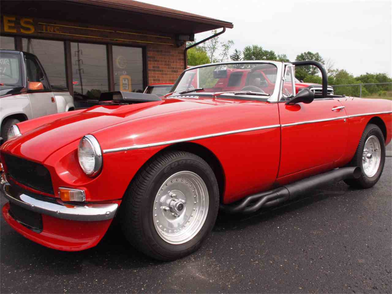 Large Picture of Classic 1968 MG MGB - $28,500.00 - L59M