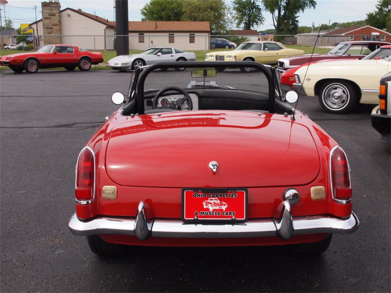 Large Picture of '68 MGB - L59M