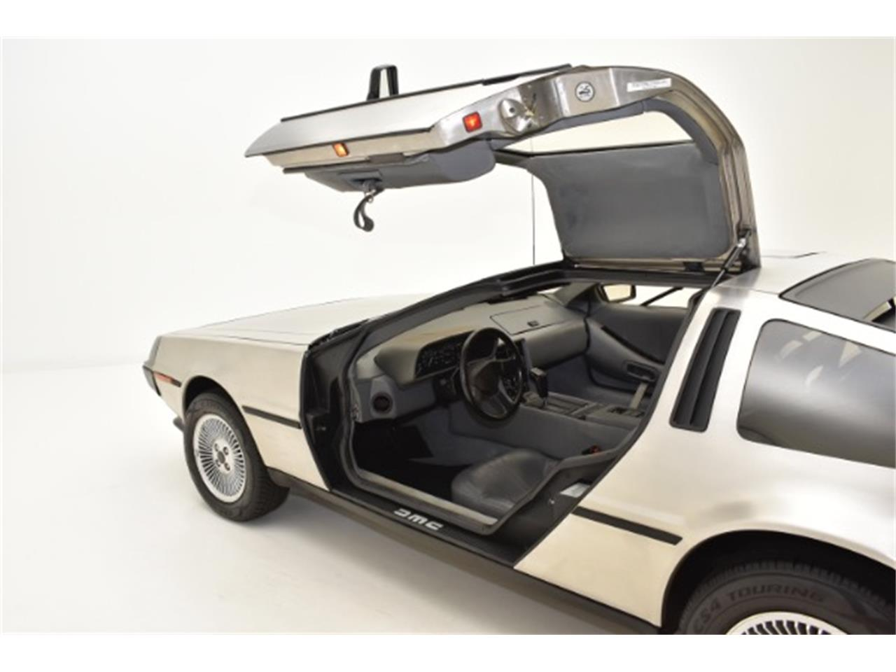 Large Picture of '81 DeLorean DMC-12 located in Syosset New York Offered by Champion Motors International - L5D0