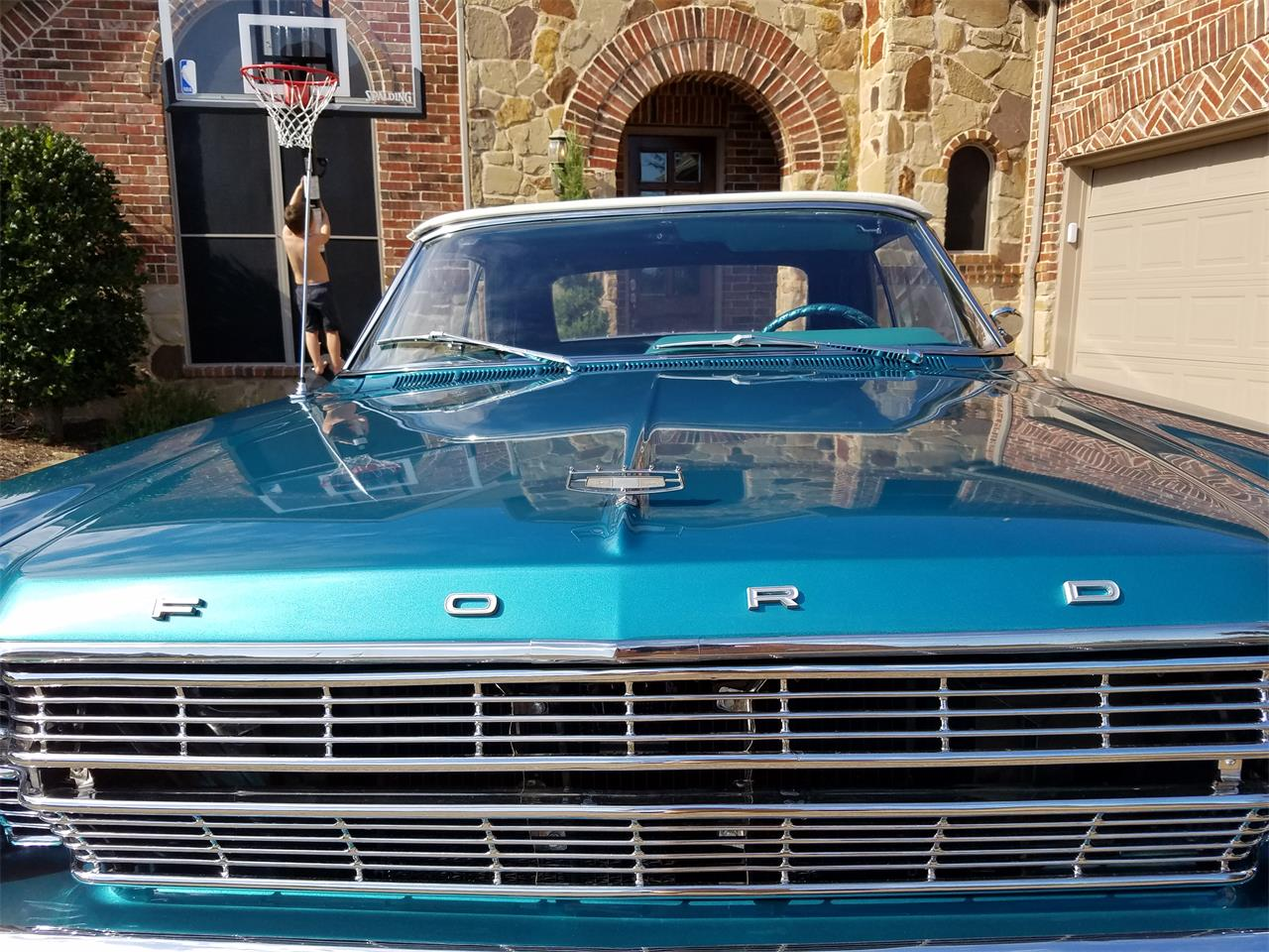 Large Picture of '66 Ford Galaxie 500 located in Texas - $29,900.00 - L5E8