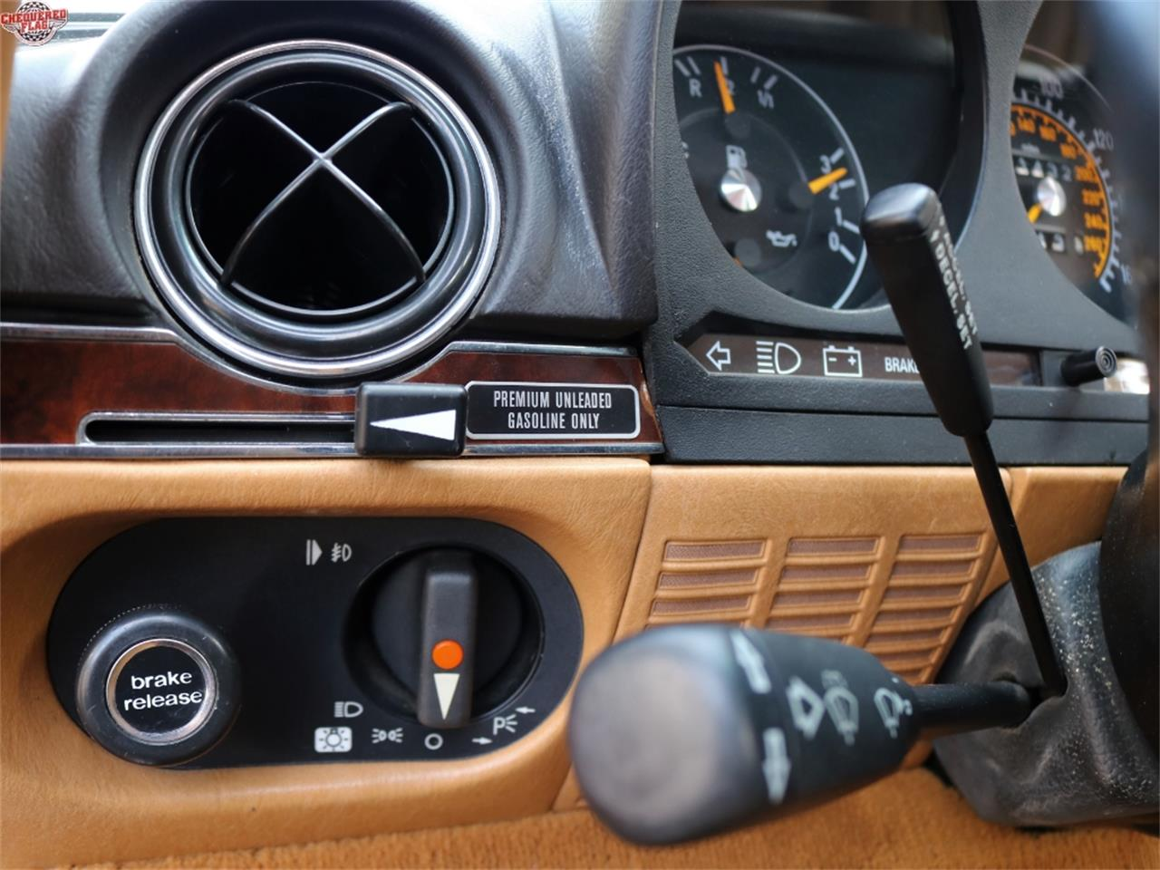 Large Picture of 1988 Mercedes-Benz 560 - $37,500.00 - L5LZ
