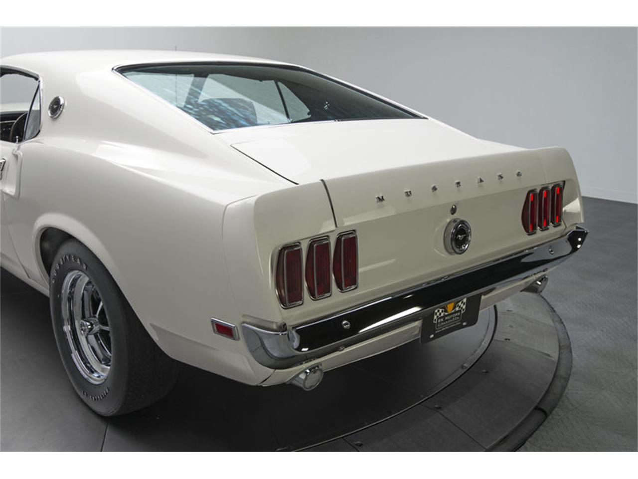 Large Picture of '69 Mustang - L5MU