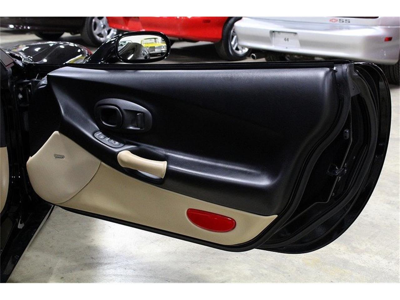 Large Picture of 1998 Chevrolet Corvette located in Michigan - $14,900.00 - L5NJ