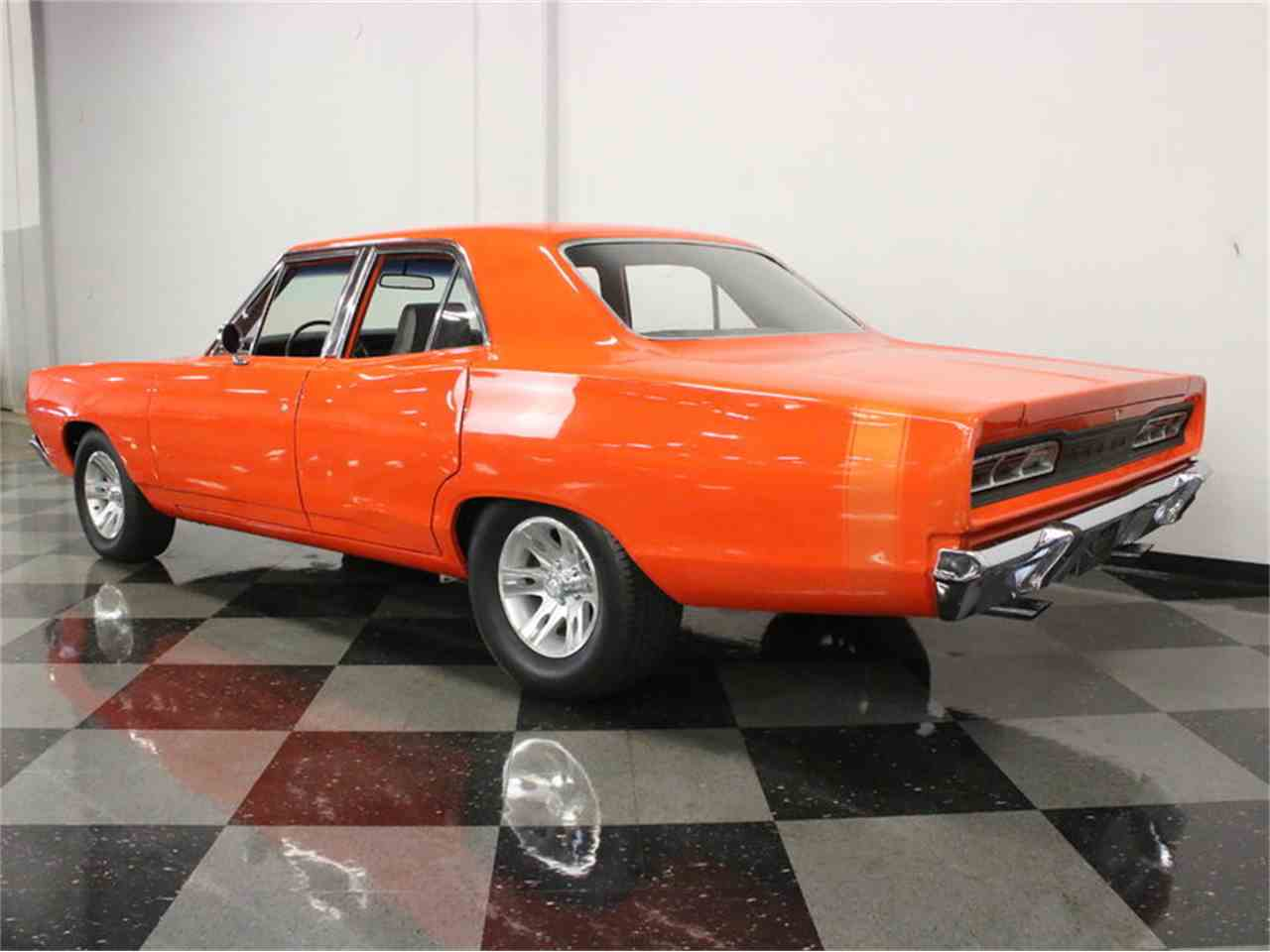 Large Picture of '69 Coronet - L5NW