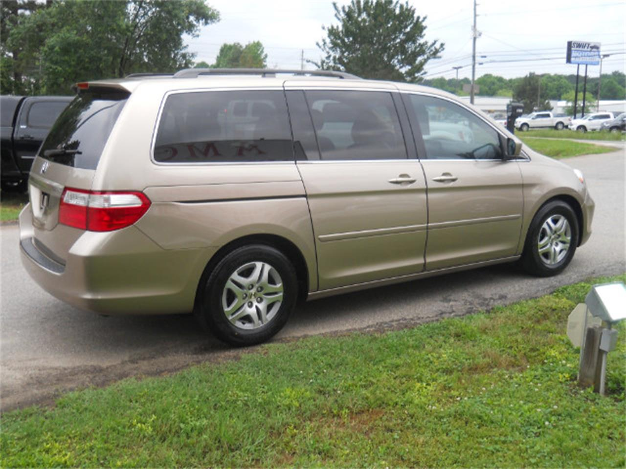 Large Picture of 2006 Honda Odyssey - $7,450.00 Offered by AMG Auto Sales - L5SG