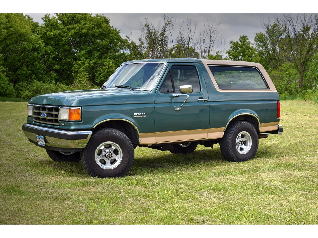 Large Picture of '98 Ford  Bronco located in Watertown Minnesota - $22,500.00 Offered by Hooked On Classics - L5VG