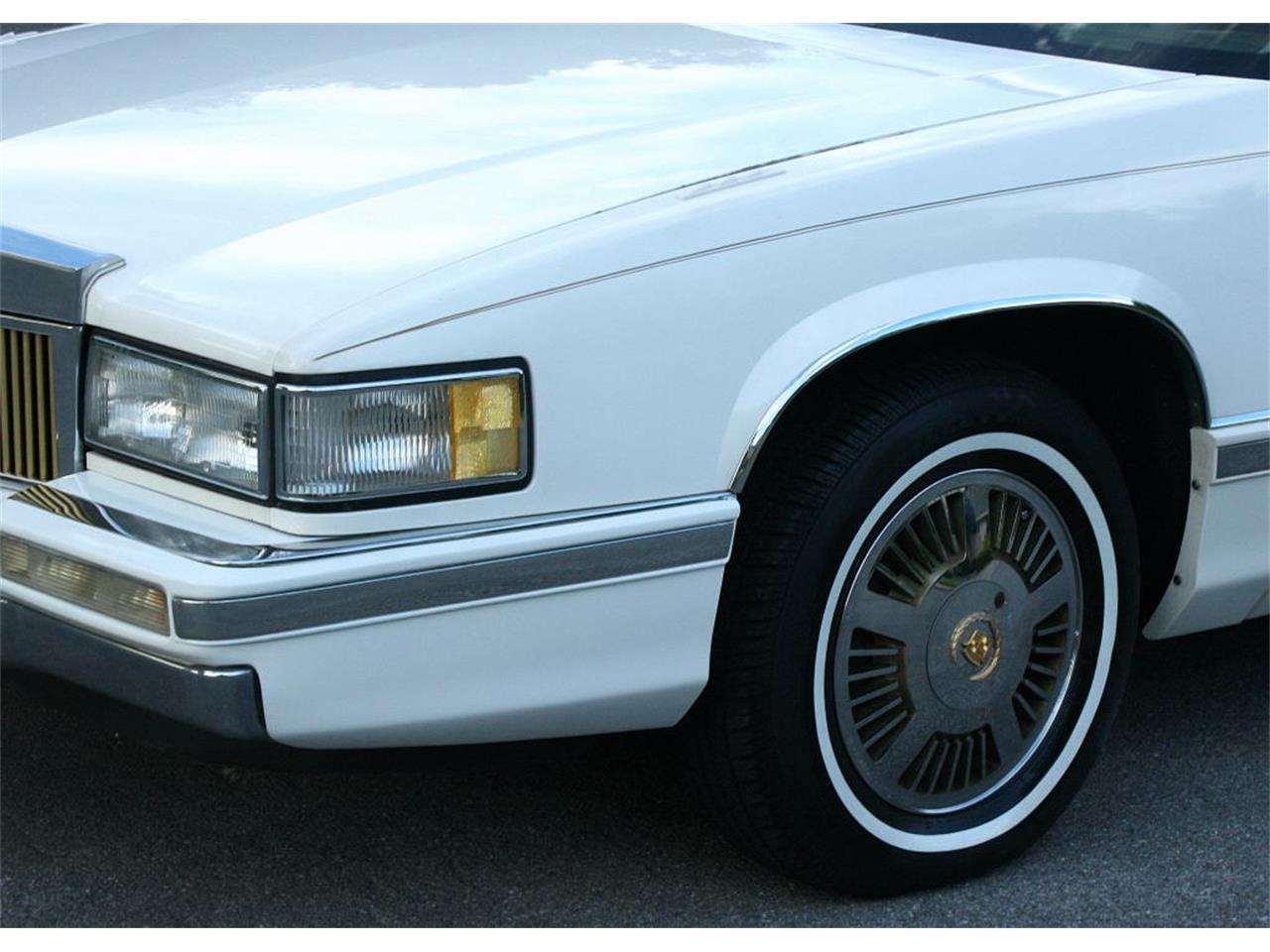 Large Picture of '91 Cadillac Sedan - L5XM