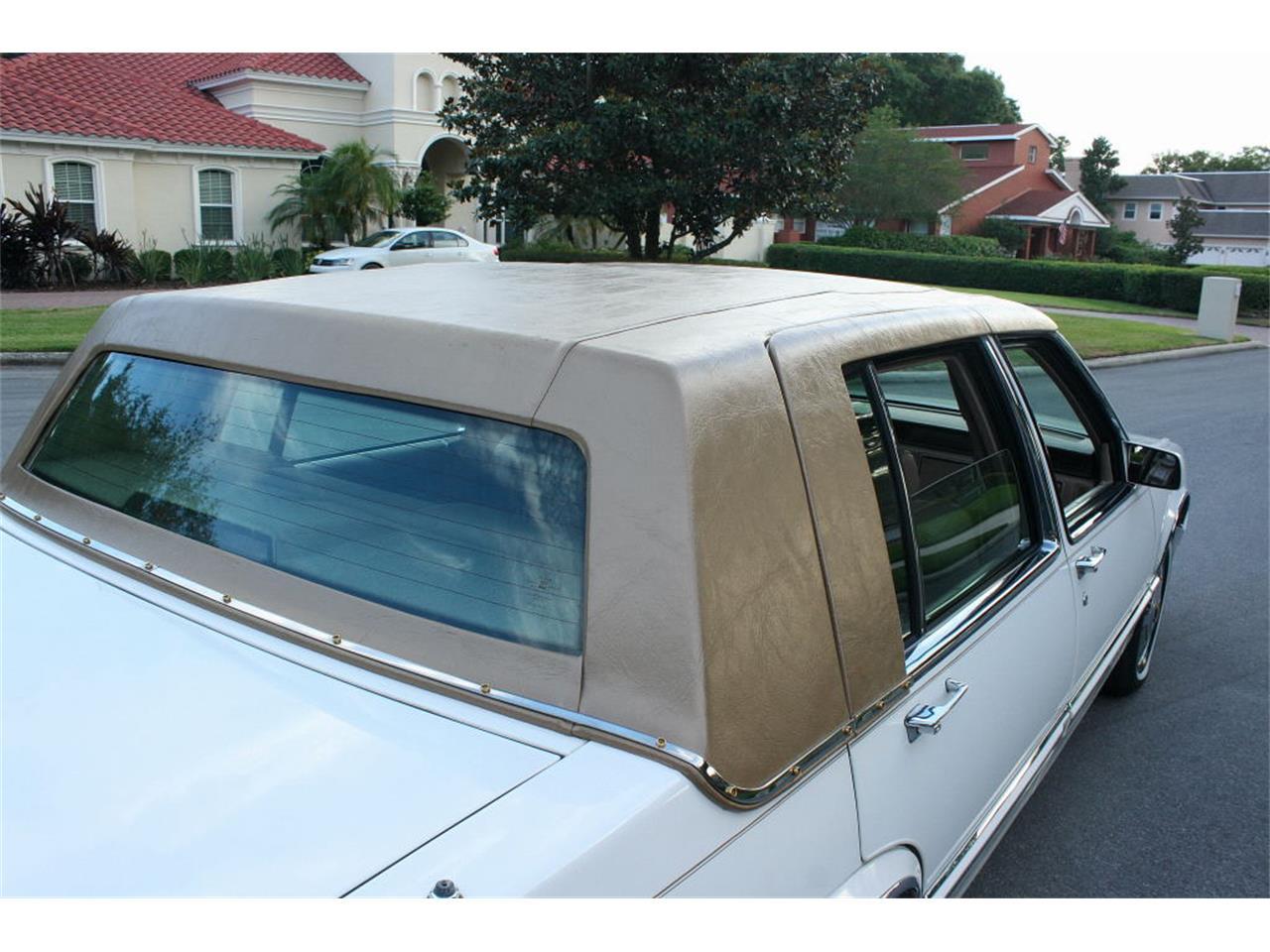 Large Picture of '91 Sedan located in Lakeland Florida - $9,500.00 - L5XM