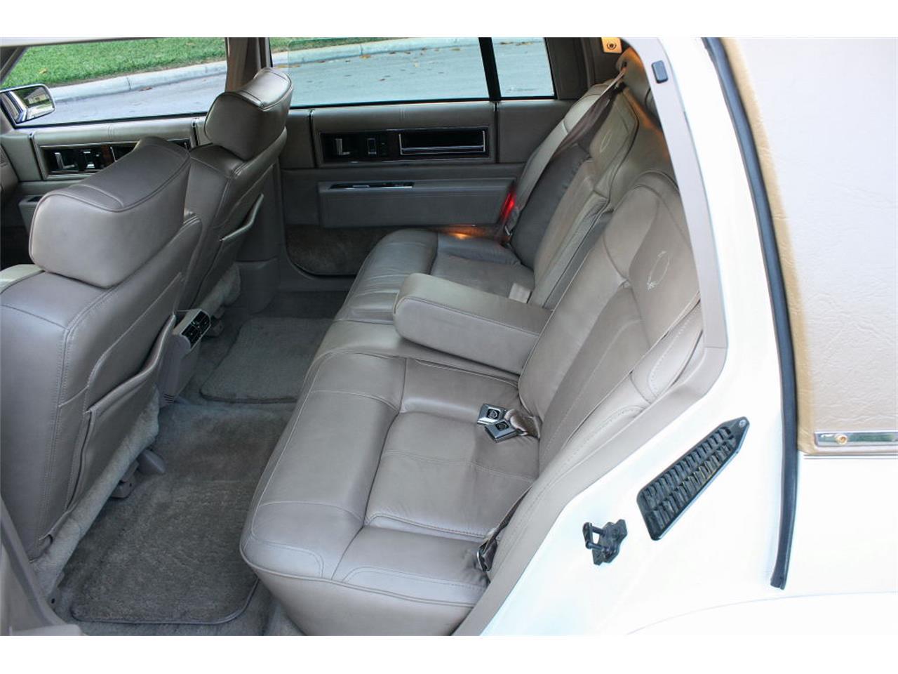Large Picture of 1991 Cadillac Sedan located in Lakeland Florida - $9,500.00 - L5XM