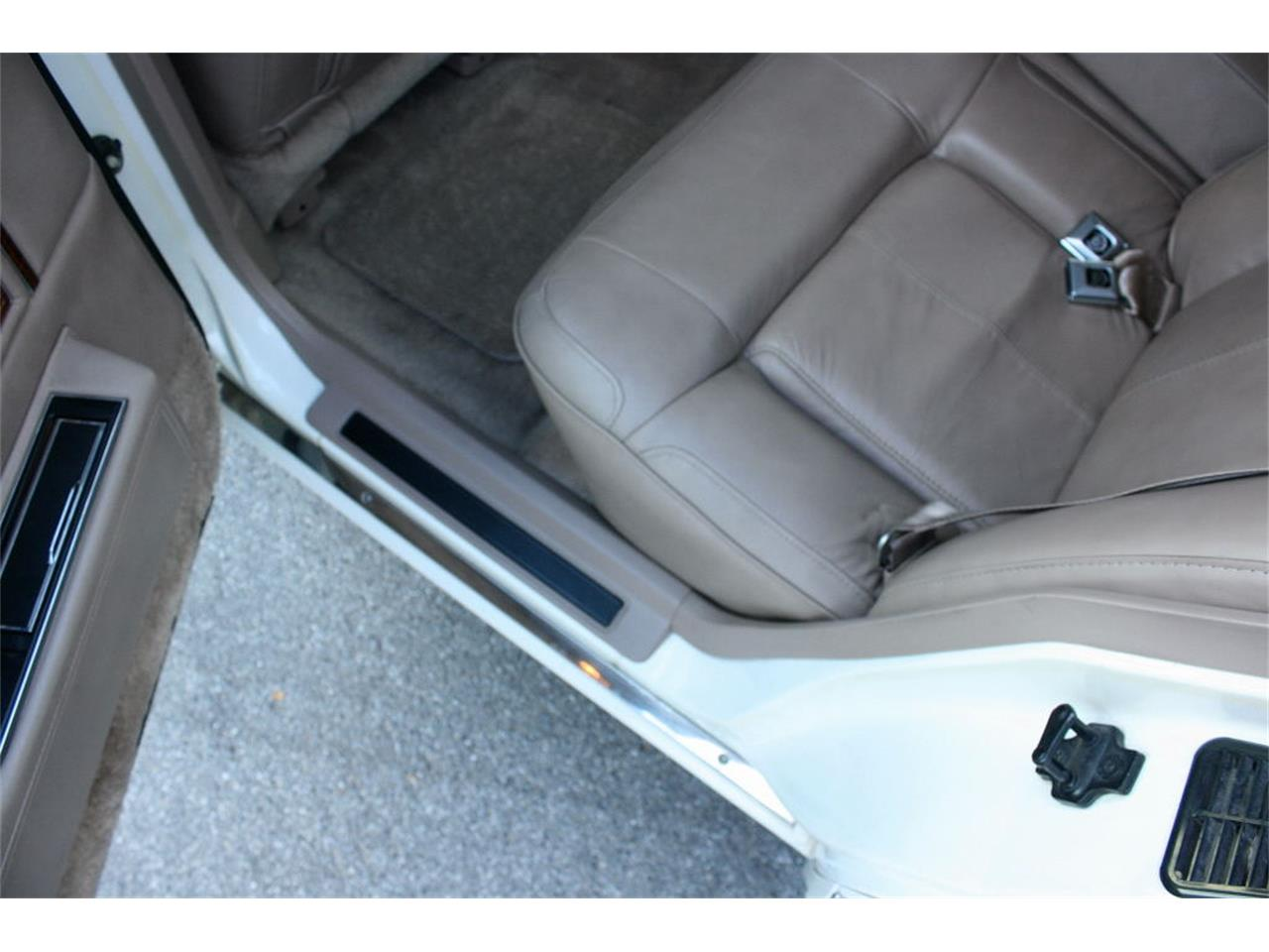 Large Picture of 1991 Sedan located in Florida Offered by MJC Classic Cars - L5XM