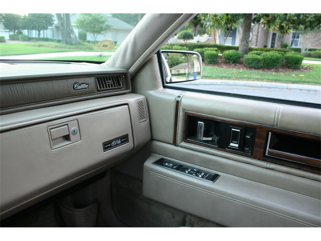 Large Picture of 1991 Cadillac Sedan - $9,500.00 - L5XM
