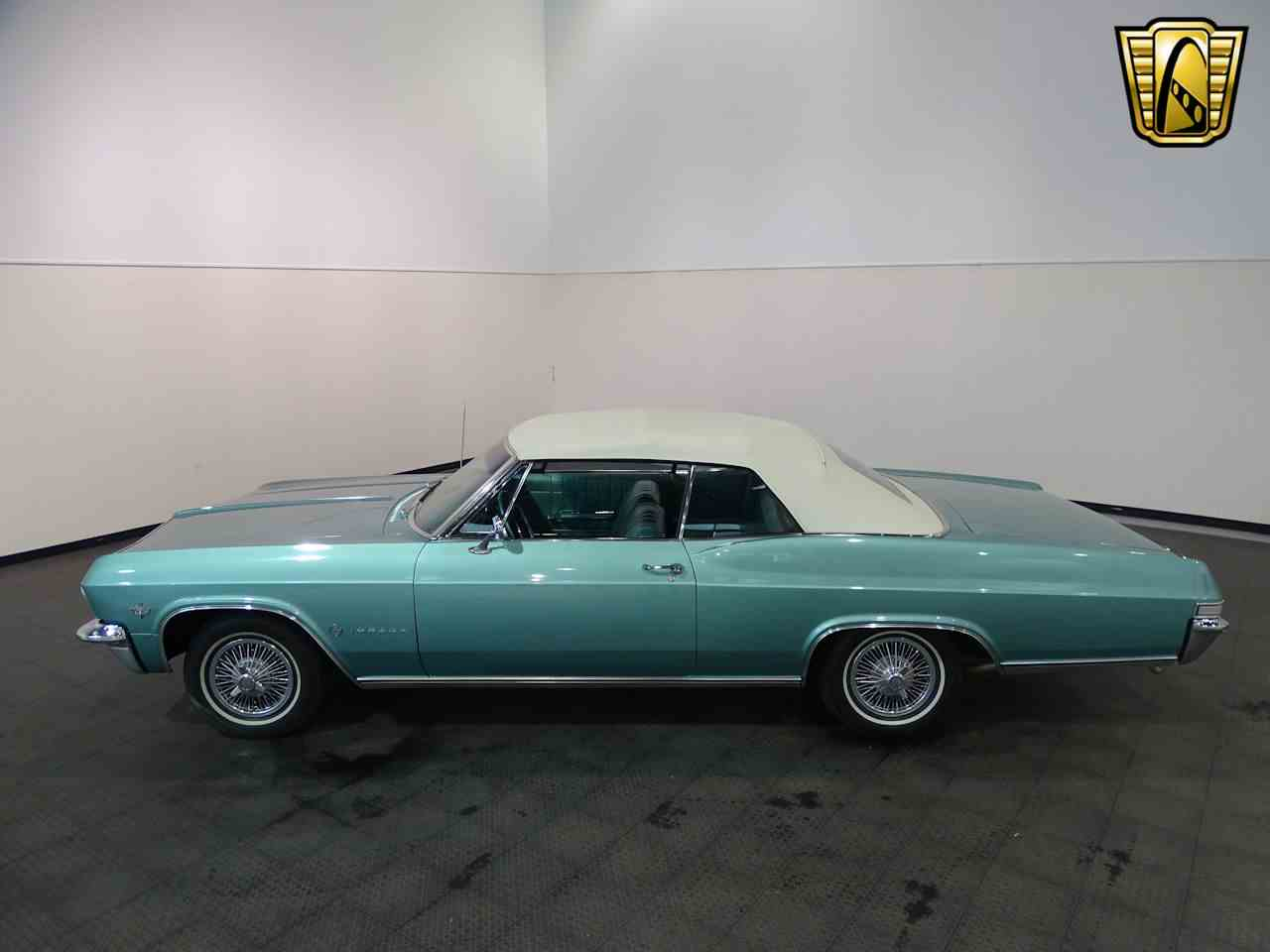 Large Picture of Classic '65 Chevrolet Impala - L5YV