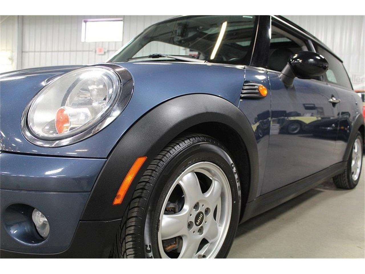 Large Picture of 2010 MINI Cooper located in Michigan Offered by GR Auto Gallery - L637