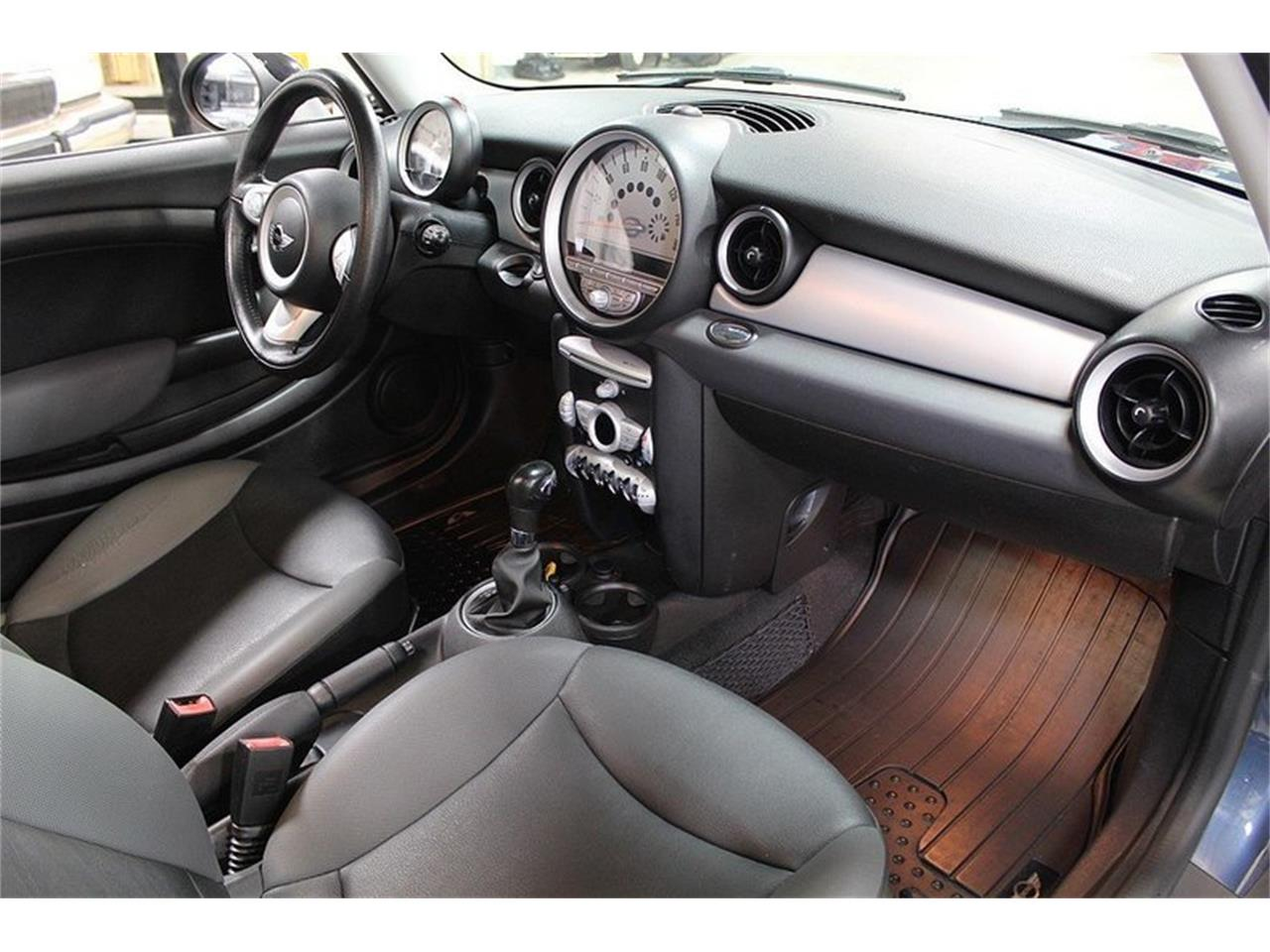 Large Picture of '10 MINI Cooper located in Michigan - $6,900.00 Offered by GR Auto Gallery - L637