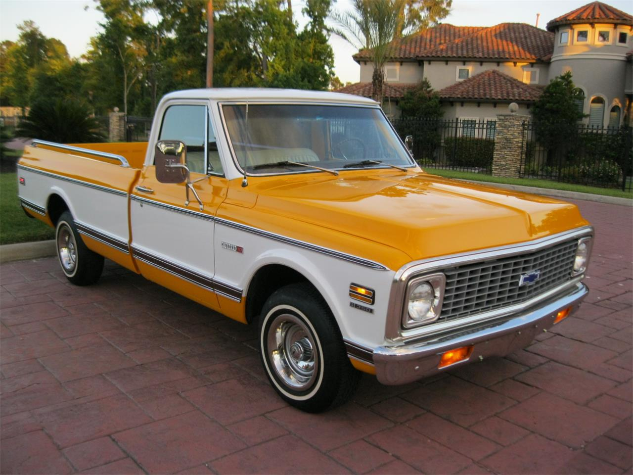 Large Picture of '72 Chevrolet C/K 10 - $24,900.00 - L674