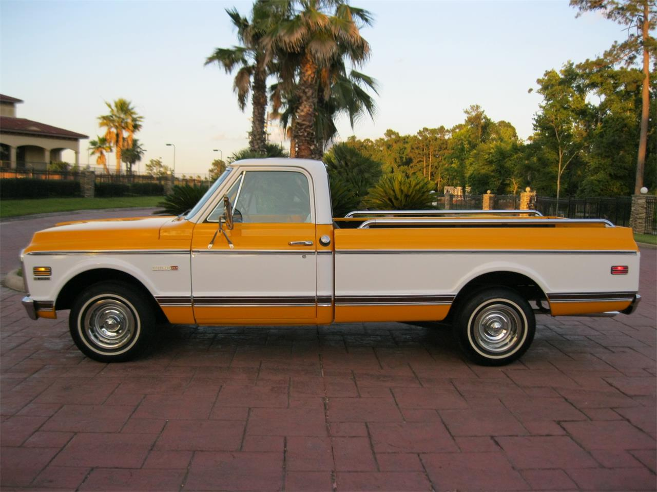 Large Picture of Classic '72 Chevrolet C/K 10 - $24,900.00 Offered by Texas Trucks and Classics - L674