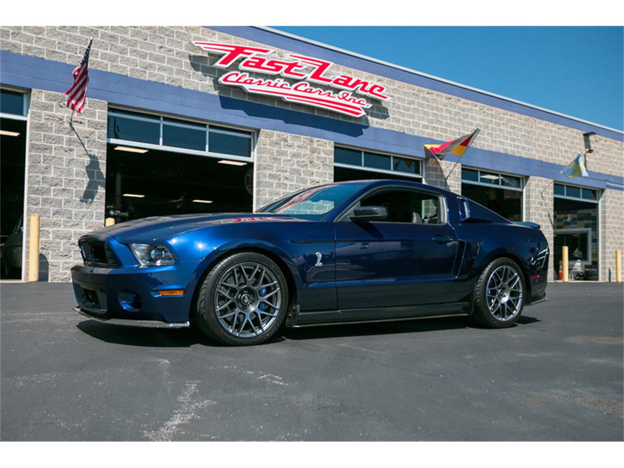 Large Picture of '12 Ford Mustang located in Missouri - L68T