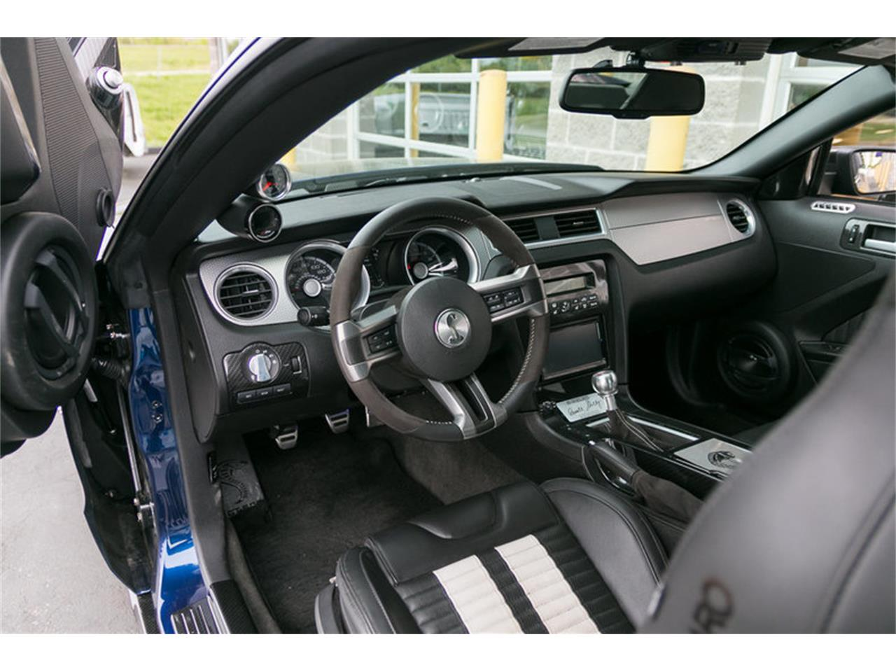 Large Picture of 2012 Mustang - L68T