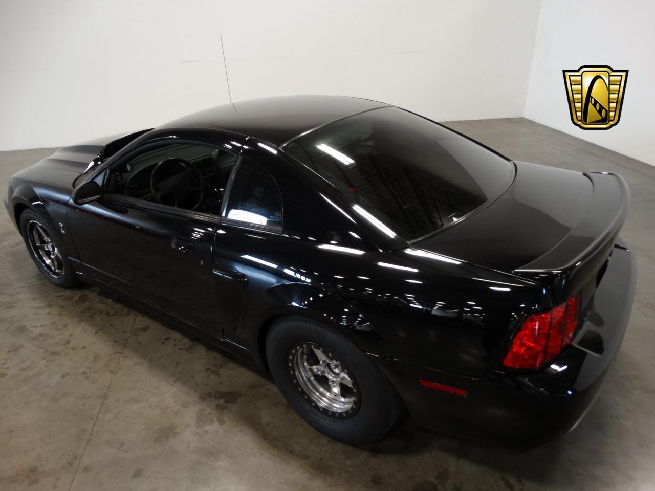 Large Picture of 2002 Mustang located in La Vergne Tennessee - $22,995.00 - L6A2