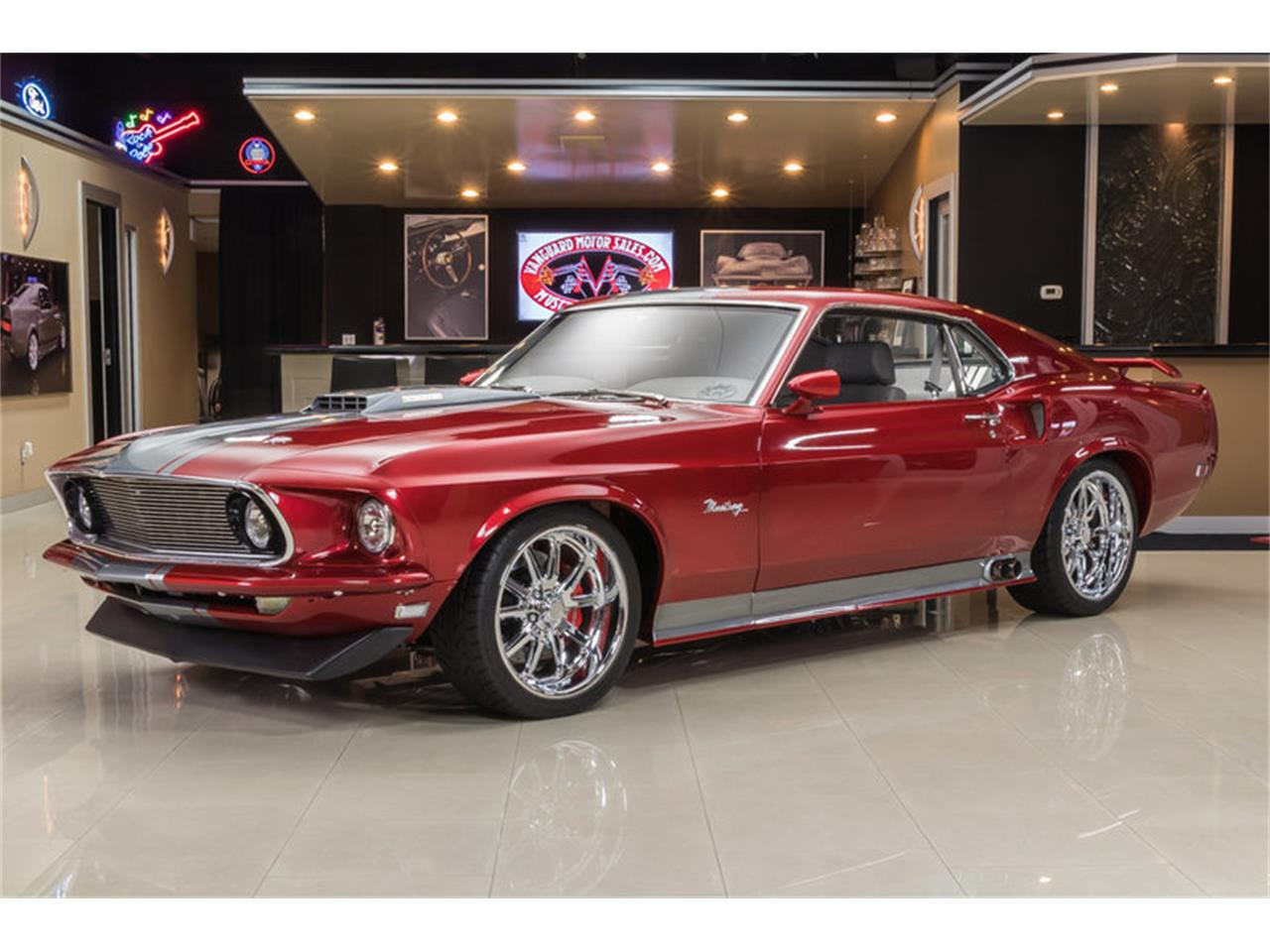 Large Picture of 1969 Mustang Fastback Restomod - L6C8