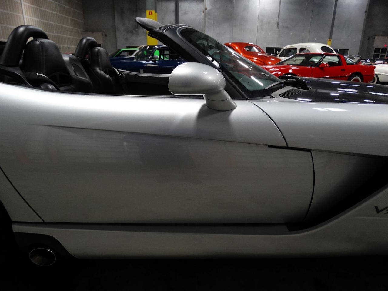 Large Picture of '04 Dodge Viper located in Florida - L6GU