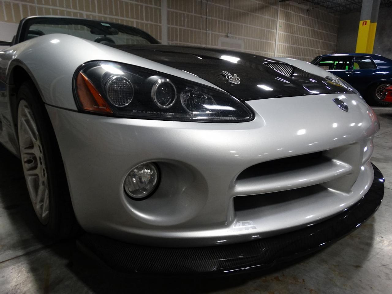 Large Picture of '04 Dodge Viper - L6GU