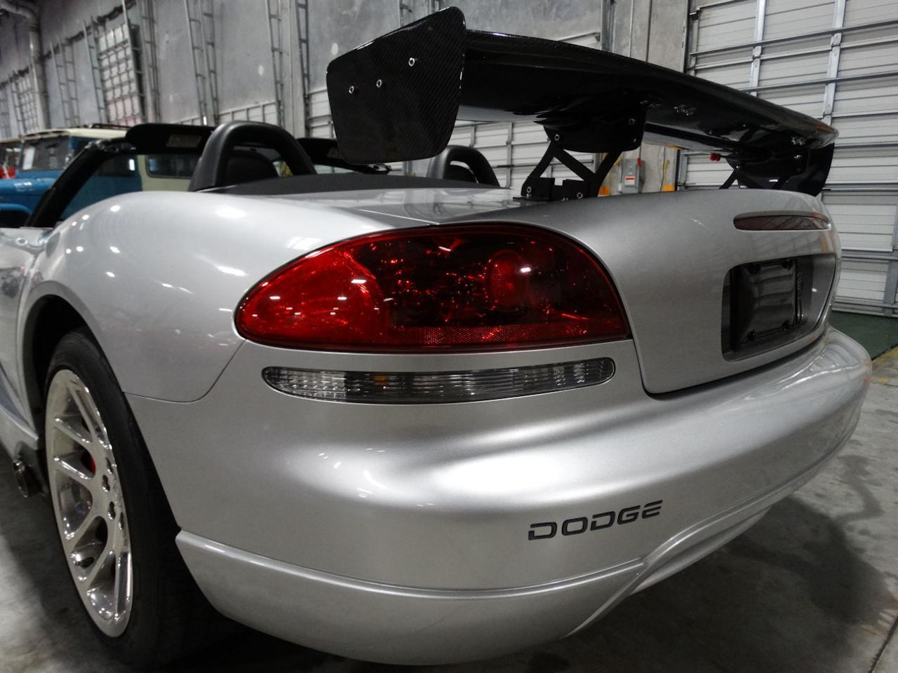 Large Picture of '04 Viper located in Coral Springs Florida - L6GU