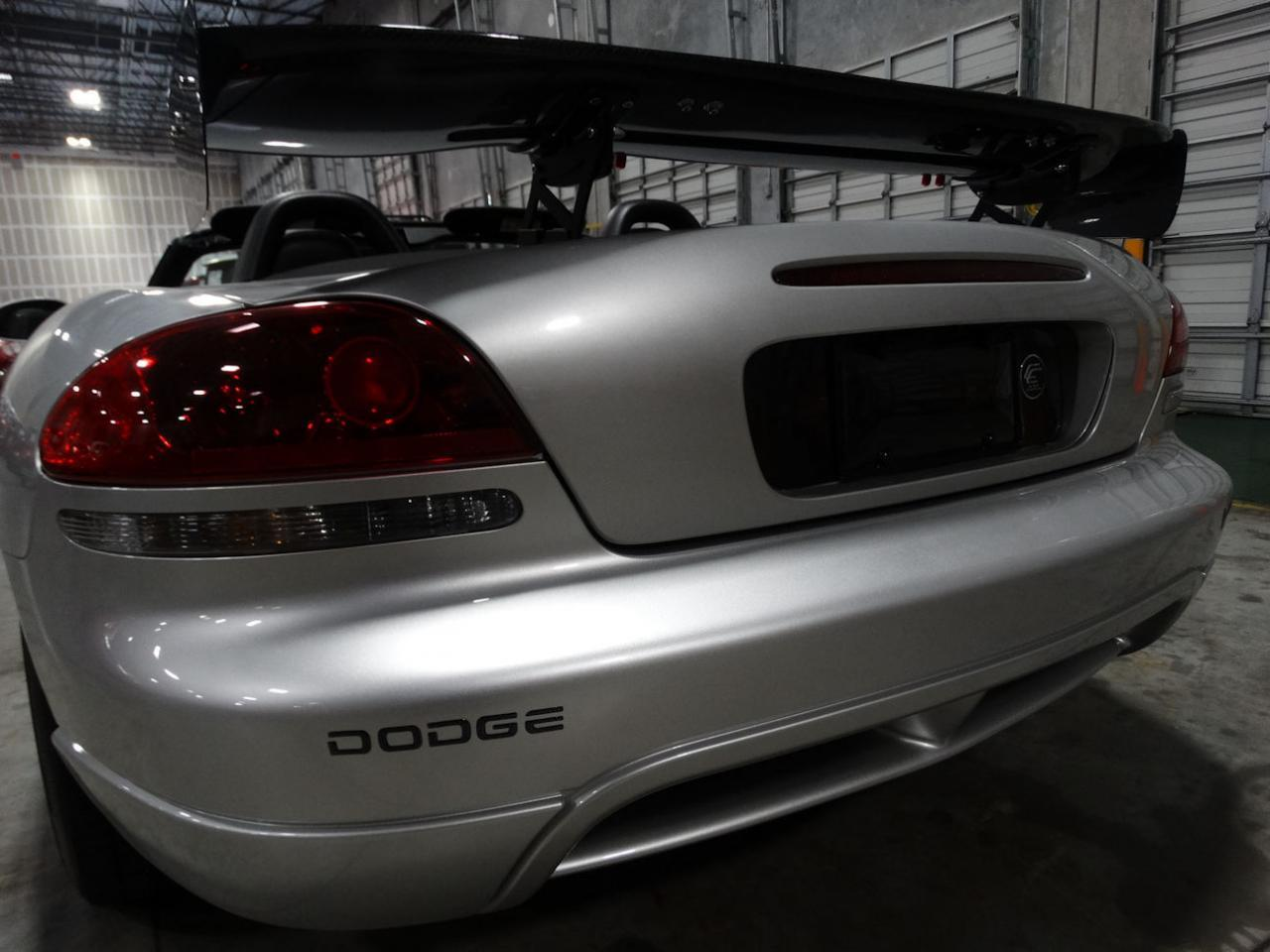 Large Picture of '04 Dodge Viper located in Coral Springs Florida - $54,000.00 - L6GU