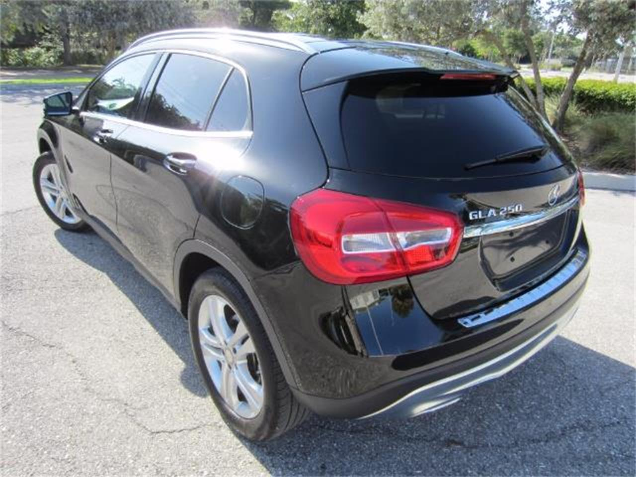 Large Picture of '16 GL-ClassGLA 250 - L6HR
