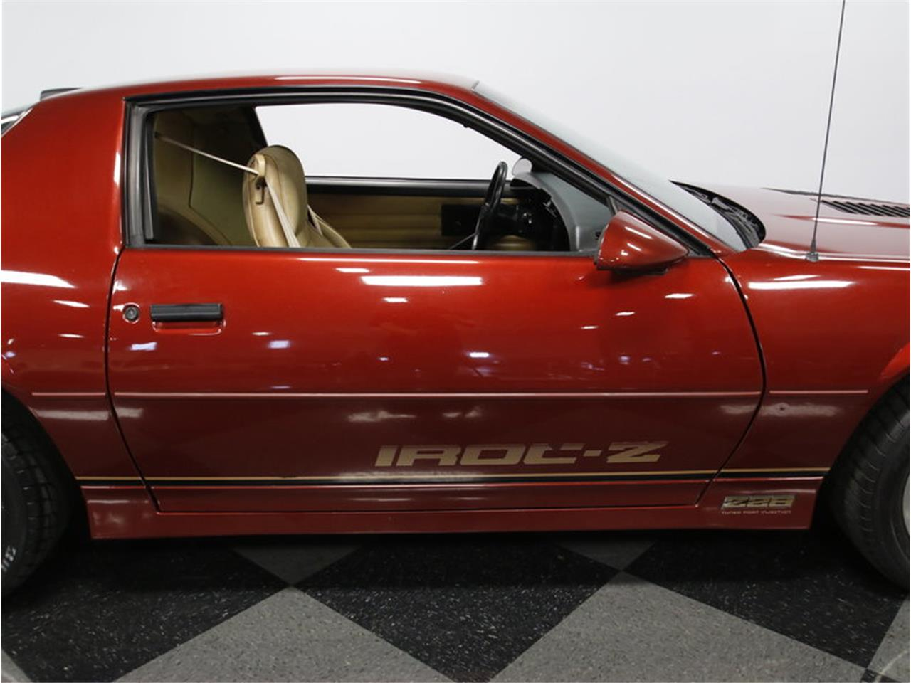 Large Picture of 1986 Camaro IROC Z28 Offered by Streetside Classics - Charlotte - L6HZ