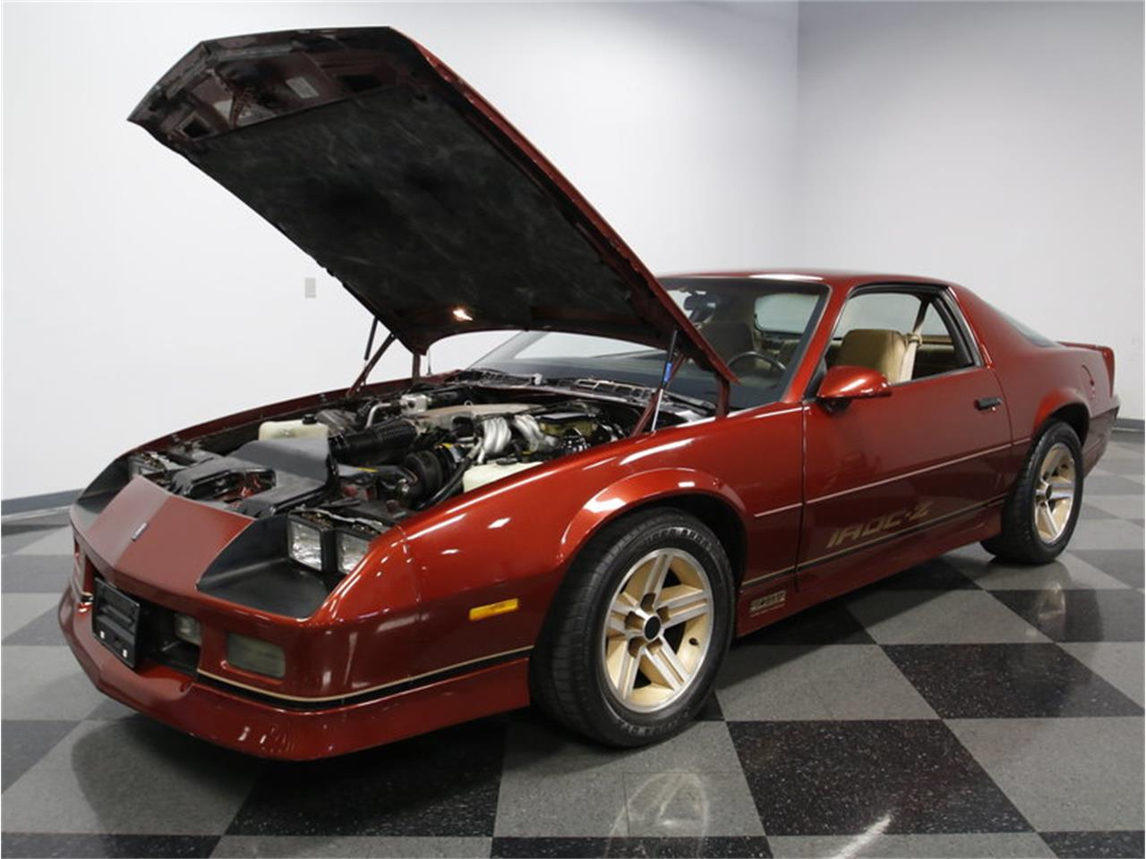 Large Picture of '86 Chevrolet Camaro IROC Z28 located in North Carolina - L6HZ