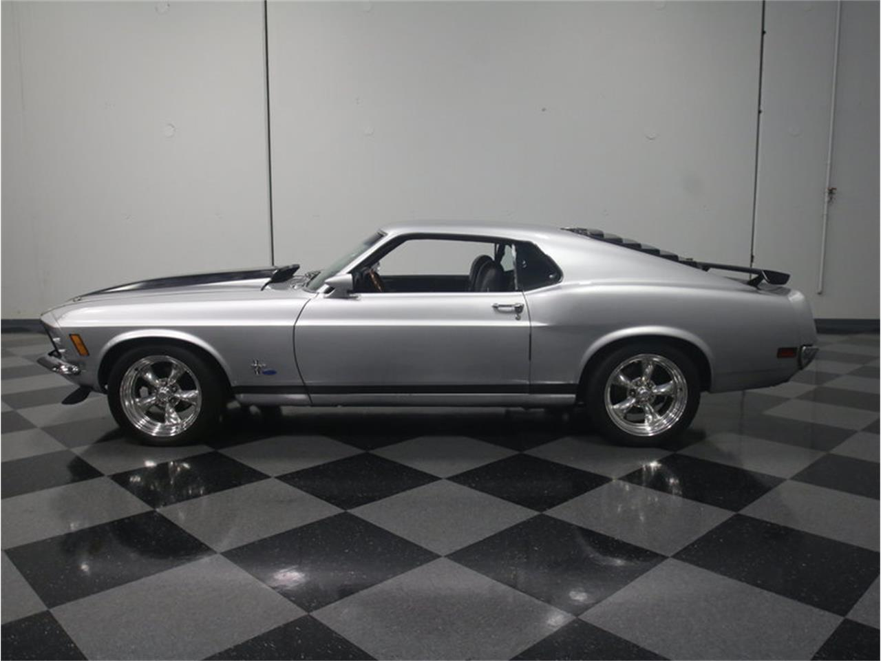 Large picture of 70 mustang fastback restomod l6i5