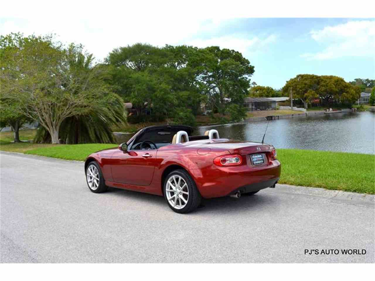 Large Picture of '12 Mazda Miata located in Clearwater Florida - $16,600.00 Offered by PJ's Auto World - L6IJ