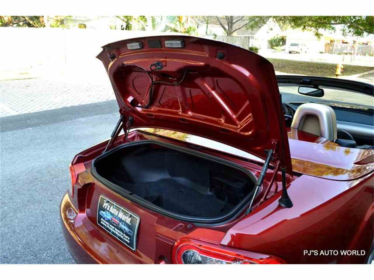 Large Picture of 2012 Mazda Miata located in Clearwater Florida Offered by PJ's Auto World - L6IJ