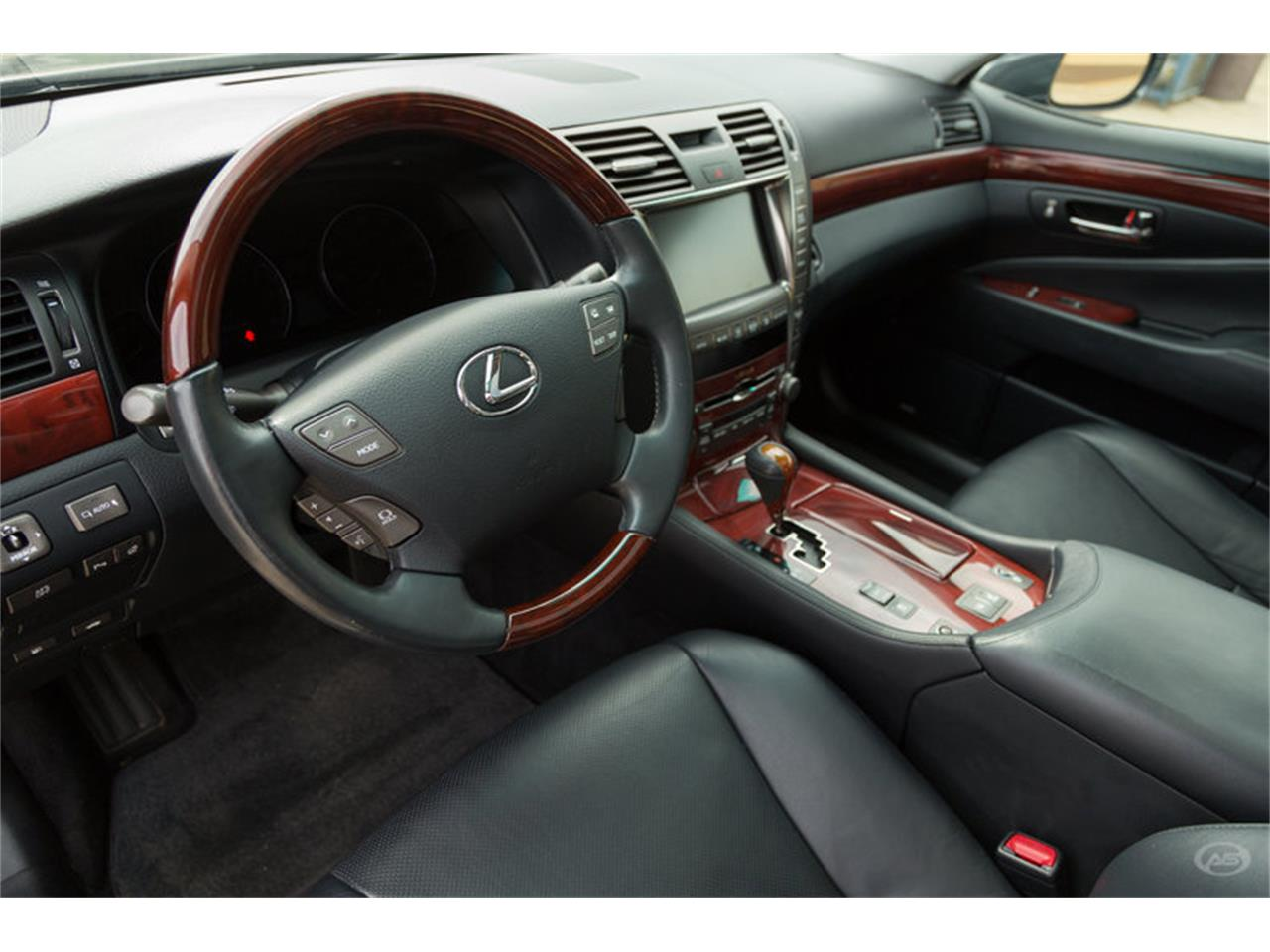 Large Picture of '08 LS460 located in Collierville Tennessee - $19,900.00 Offered by Art & Speed - L6Q7