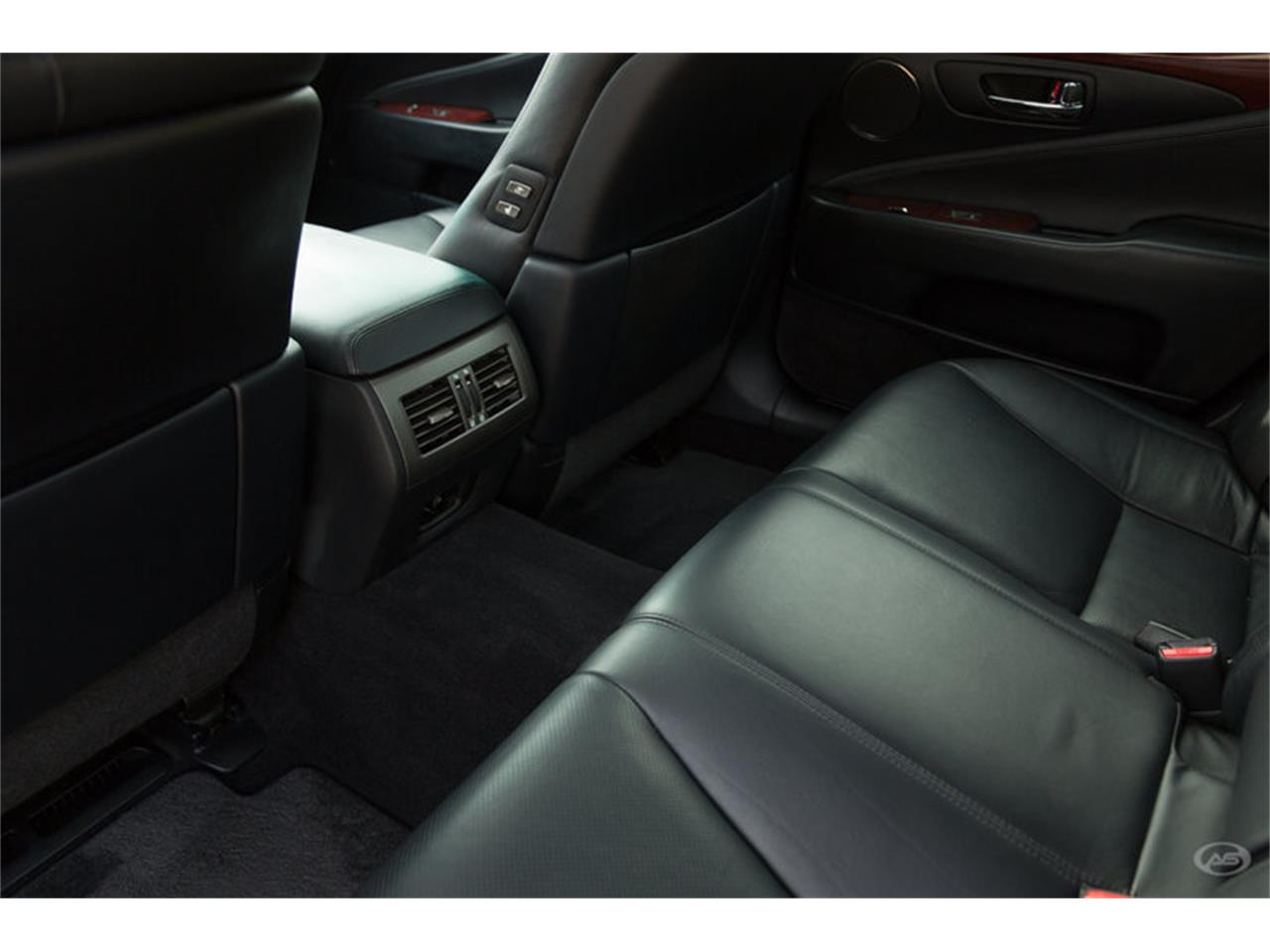 Large Picture of 2008 LS460 located in Collierville Tennessee - L6Q7