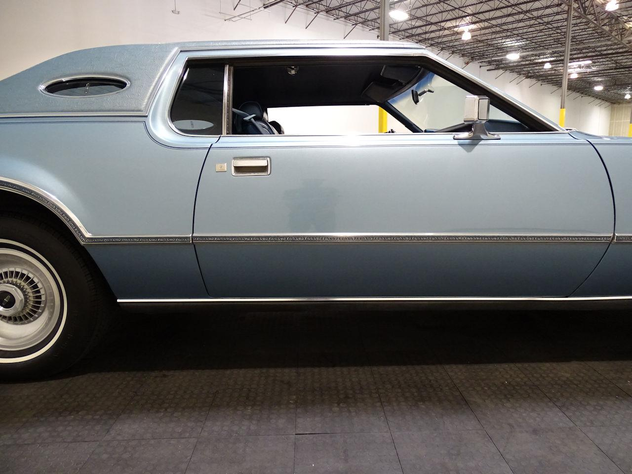 Large Picture of 1975 Continental located in Texas - $10,995.00 - L6S1