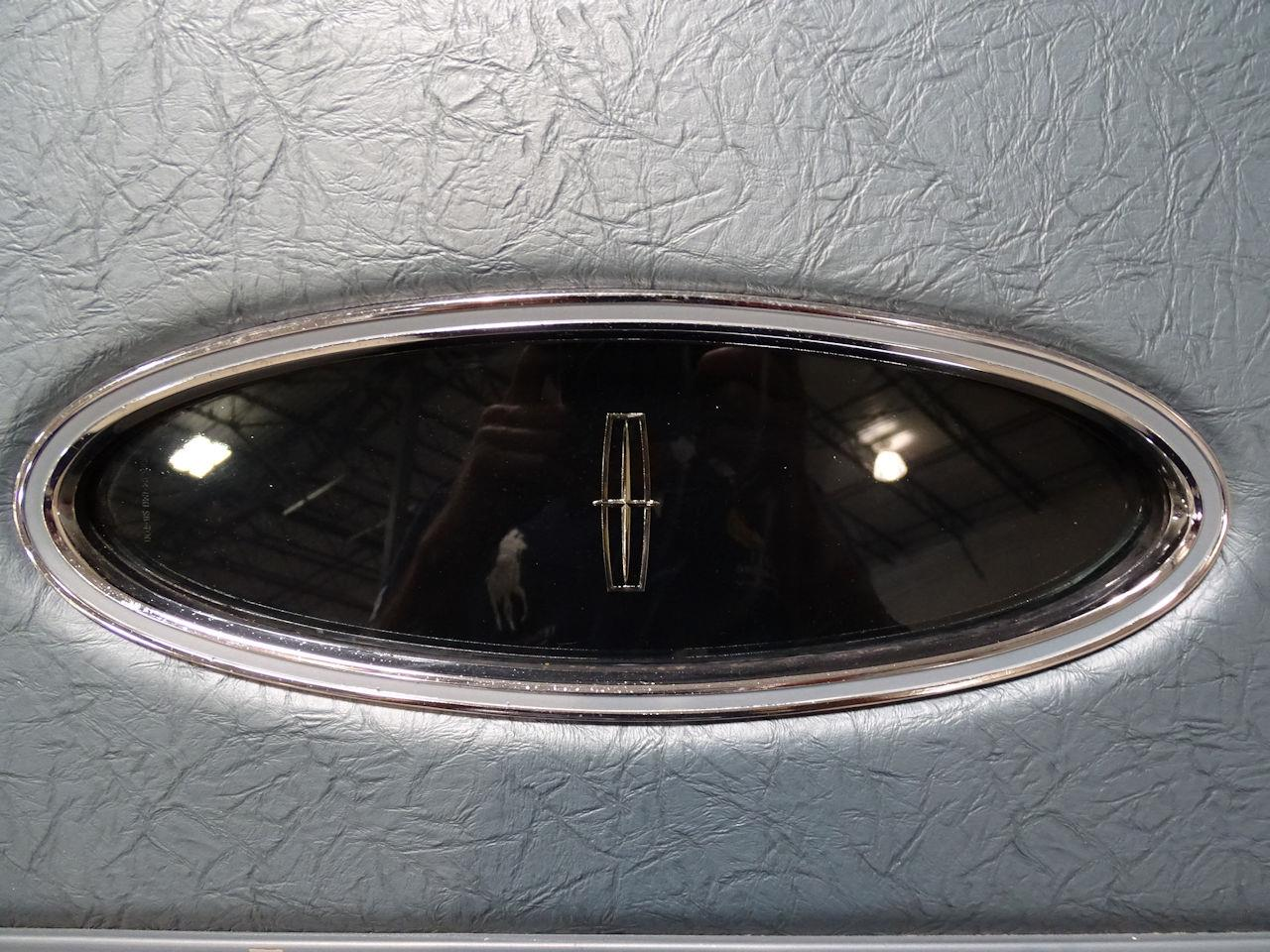 Large Picture of 1975 Lincoln Continental Offered by Gateway Classic Cars - Houston - L6S1