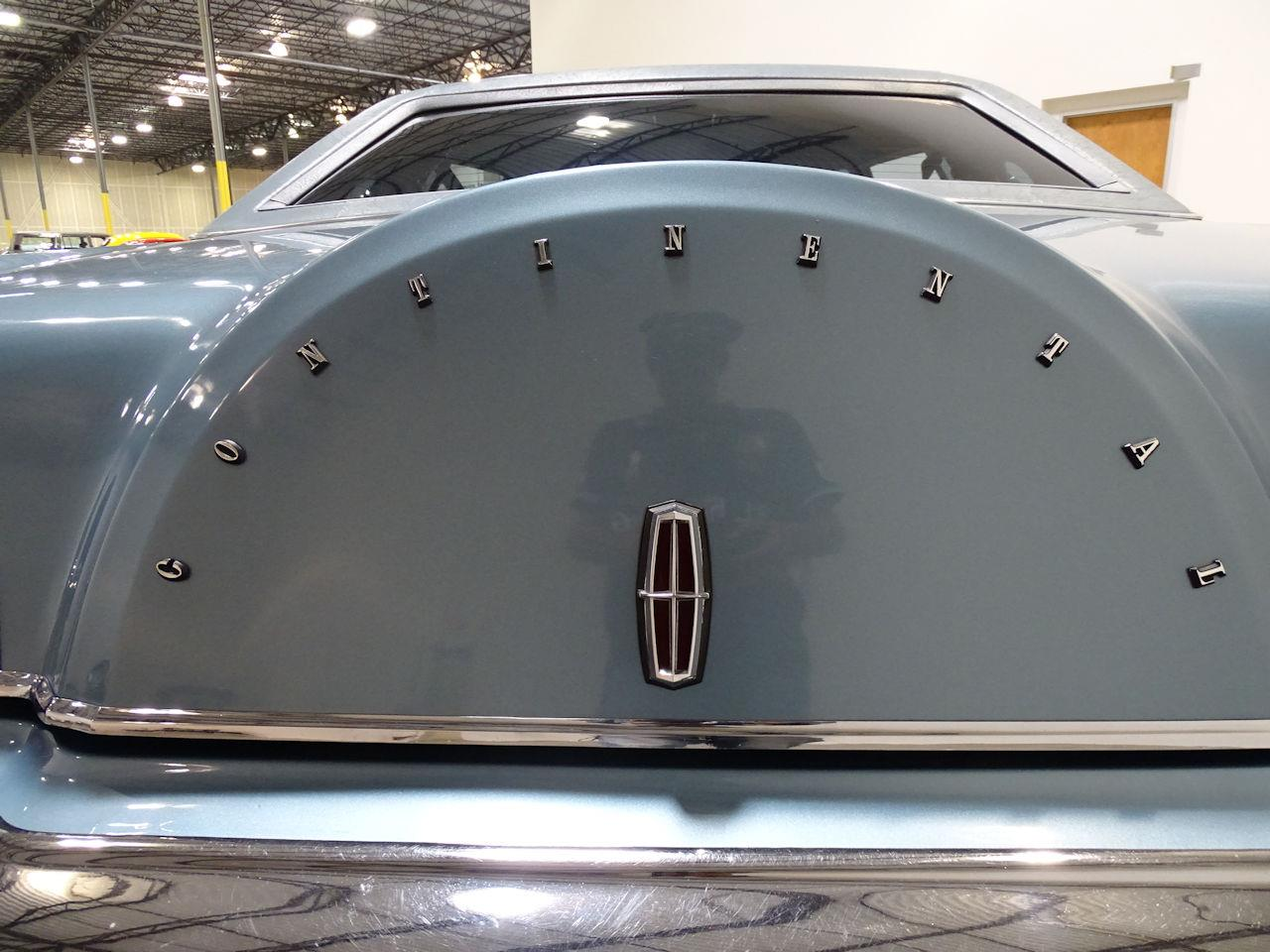 Large Picture of '75 Lincoln Continental - $10,995.00 - L6S1