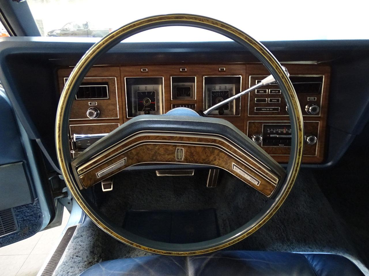 Large Picture of '75 Lincoln Continental located in Texas - L6S1
