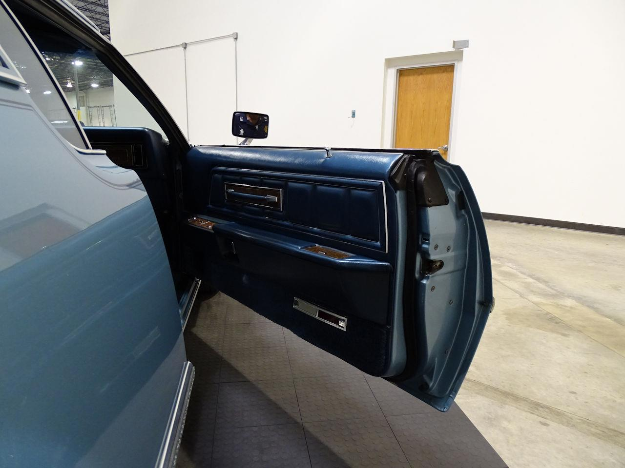 Large Picture of '75 Lincoln Continental - L6S1