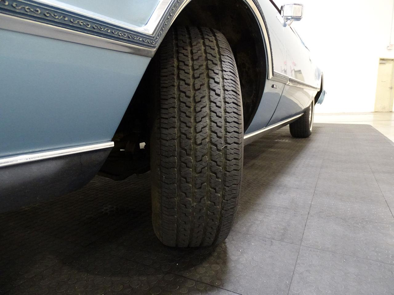 Large Picture of 1975 Lincoln Continental - $10,995.00 - L6S1