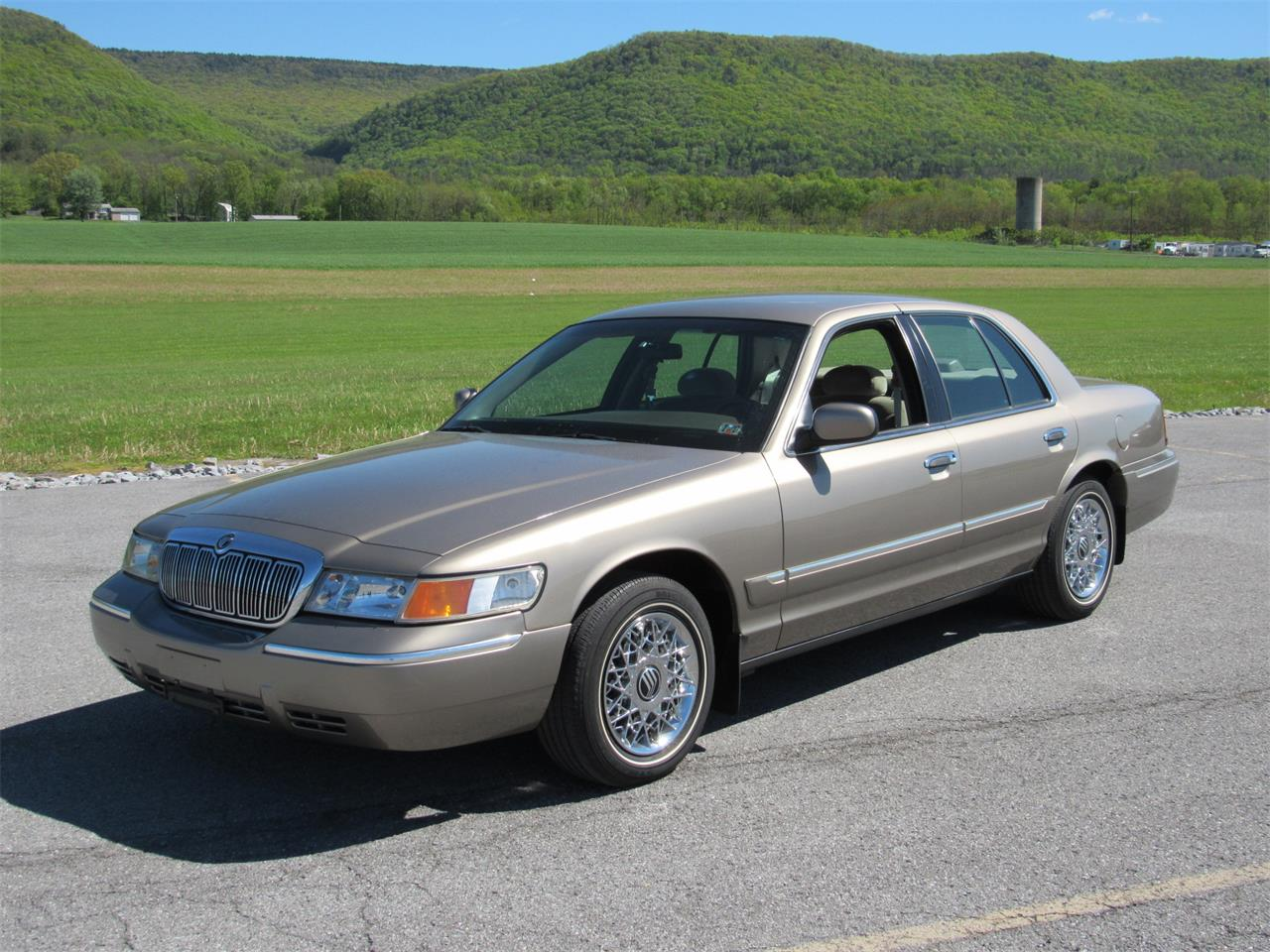Large Picture of '01 Grand Marquis - L6TS