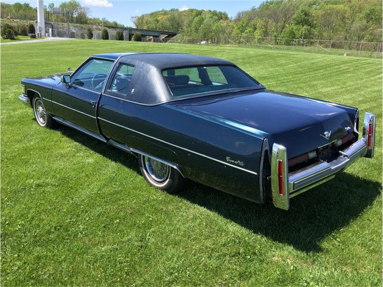 Large Picture of '76 Coupe DeVille Offered by Classic Auto Mall - L6UU