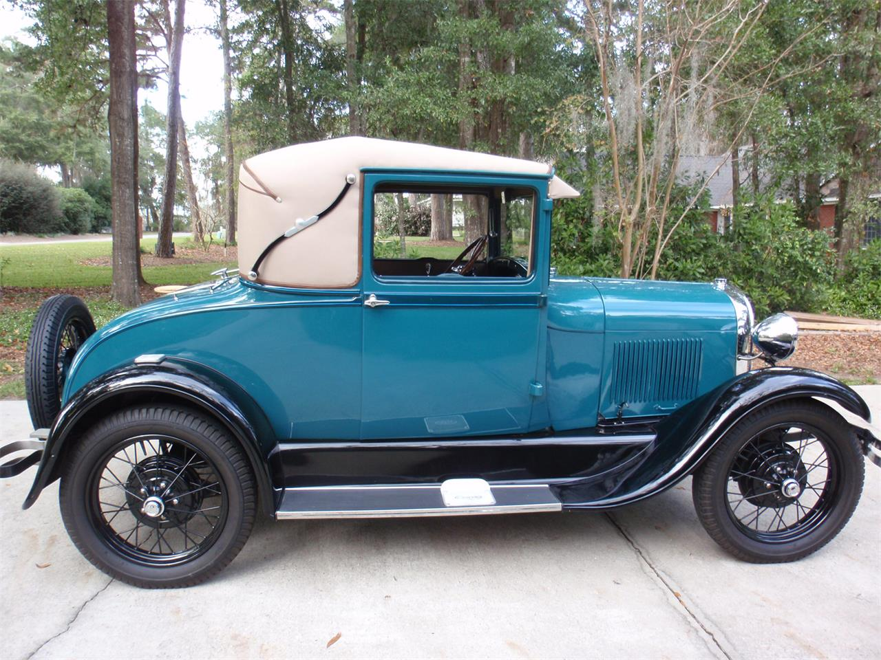Large Picture of '28 Model A - L6V8