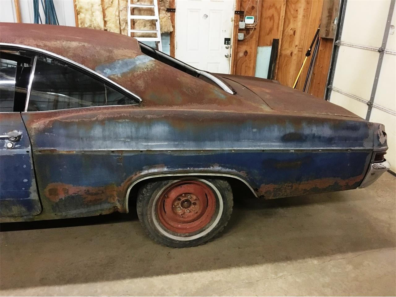 Large Picture of '66 Impala - L6W3
