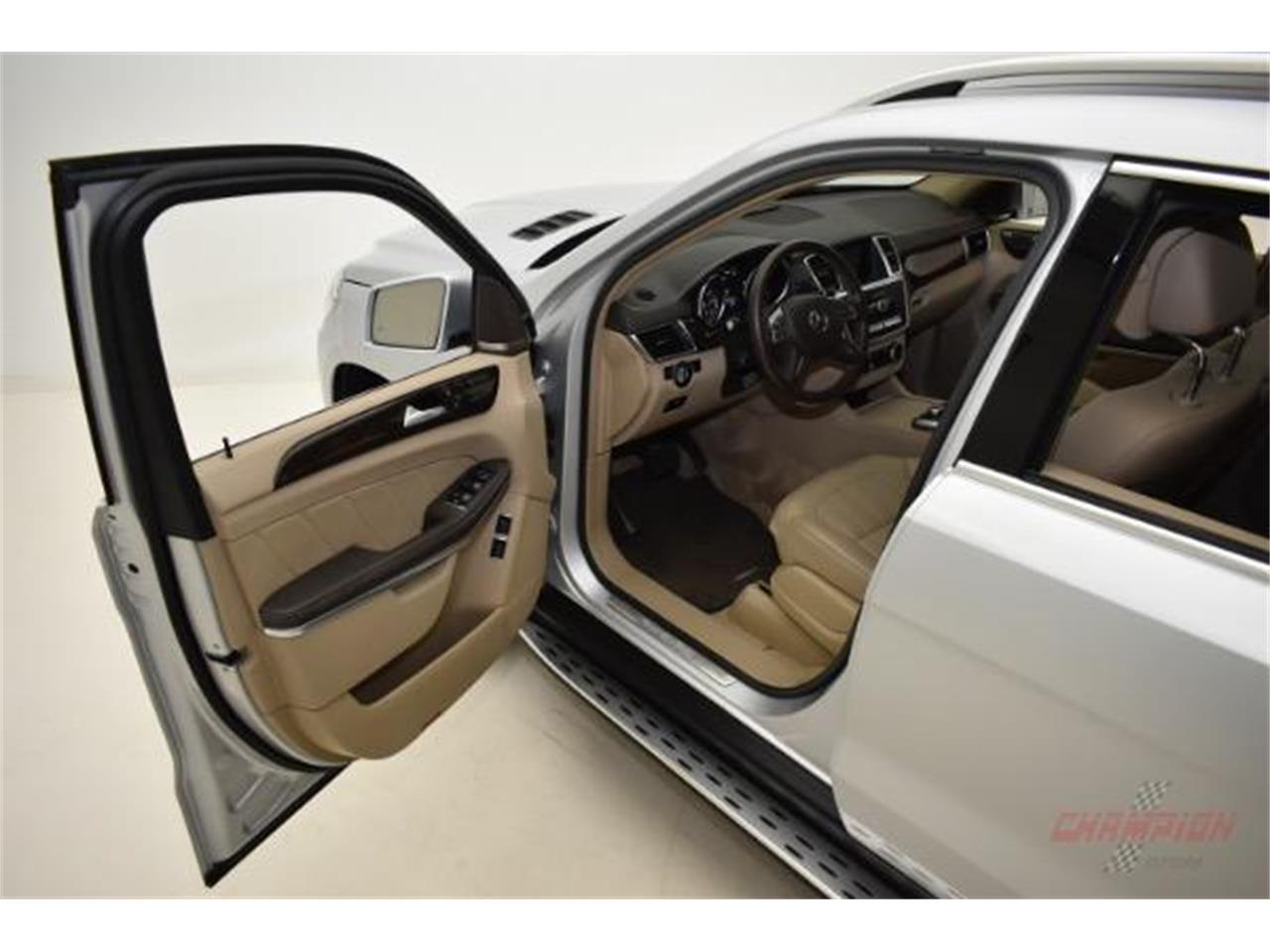 Large Picture of '14 GL450 - $44,200.00 Offered by Champion Motors International - L6XA