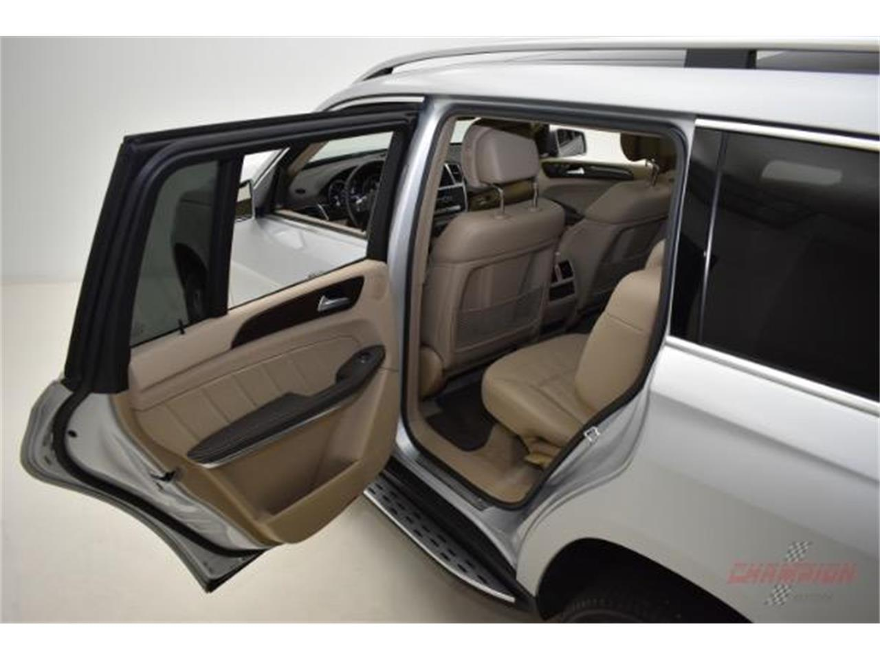 Large Picture of '14 GL450 located in Syosset New York - $44,200.00 Offered by Champion Motors International - L6XA