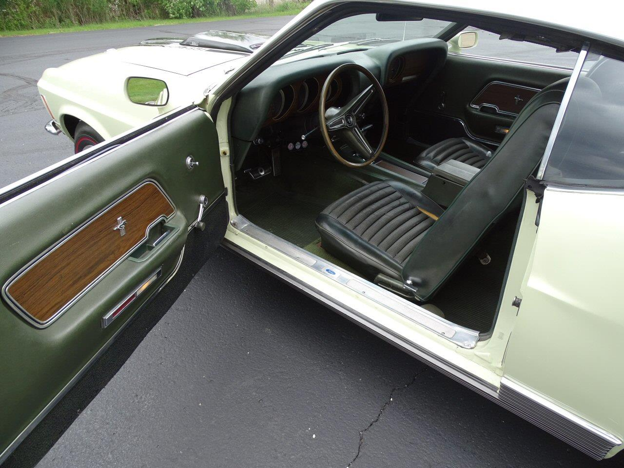 Large Picture of '70 Ford Mustang - L70Y